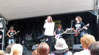 Closure In Moscow Sweet Hart Live Warped 7 22 10