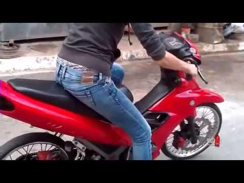Cewek Tomboy Naik Motor (Lucu Banget) - YouTube