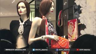 Chanel brand lowers luxury prices in China