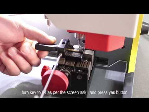 SEC-E9 Automatic key cutting machine--How to cut Ford car keys