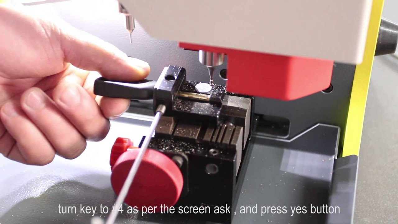 sec e9 automatic key cutting machine how to cut ford car keys youtube. Black Bedroom Furniture Sets. Home Design Ideas
