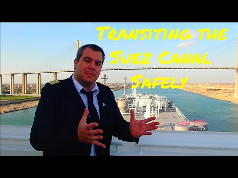 How does an LNG carrier manage to transit the Suez Canal safely🚢🇪🇬🚢