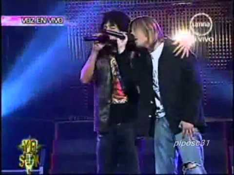 Kurt Cobain y Alex Lora cantando