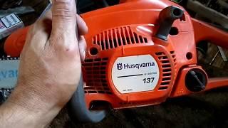 видео Как отрегулировать карбюратор на бензопиле Хускварна 137