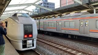 JR東日本205系M9編成(京葉車両センター)と651系K103編成(勝田車両センター)南流山駅入線と発車。