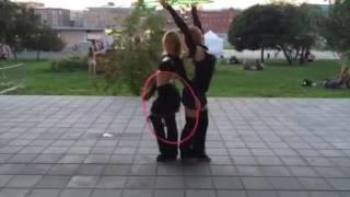 Танец с обручем. Маша и Луиза. Музеон