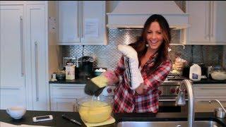 Sara Evans - Simply Sara - Simply Cooking With Sara Evans Webisode: Missouri Dirt Cake Edition