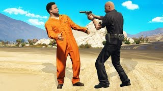 Pranking Cops Using Fake Prisoner Outfits! (GTA RP)