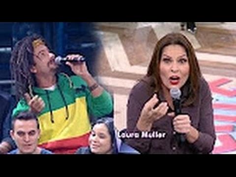Mustafary deixa Laura Müller com Carão com pergunta Cabeluda no Altas Horas Pra RIR muito