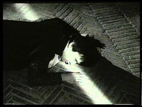 La prova dello specchio spot storico della cera emulsio for Prova dello specchio polizia youtube