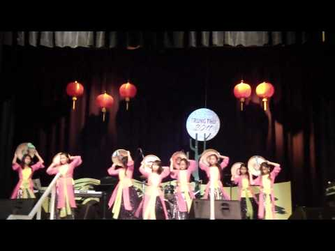 Tet trungthu 2011- dance3