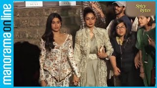 Video Sridevi scolds daughter Jhanvi Kapoor in public, here is why download MP3, 3GP, MP4, WEBM, AVI, FLV April 2018