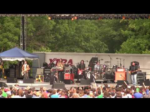 Jonezetta - Backstabber -live at Cornerstone 2008 - high quality