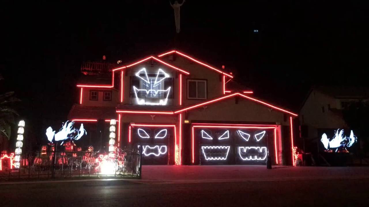 Christmas House Light Show 2020 This is Halloween   Halloween Light Show House 2016 Riverside