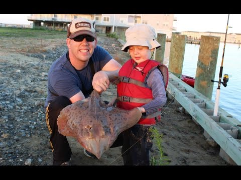 Crabbing, fishing, stingrays, and beach on our Chincoteague Island family trip