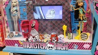 Monster High Scaris City of Frights and Bratzillaz Dolls