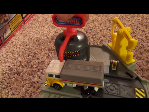 Hot Wheels World Oil Refinery Mini Playset Review