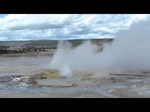 Clepsydra Geyser - Fountain Paint Pot - Lower Geyser basin - Yellowstone NP, WY