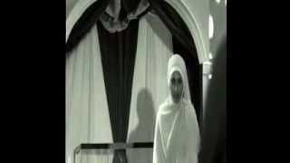 Dirigen Cantik Lagu Indonesia Raya