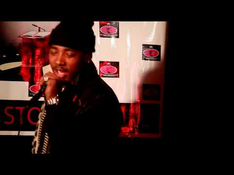 Chase Bracey performs at a Starr Studded Entertainment showcase