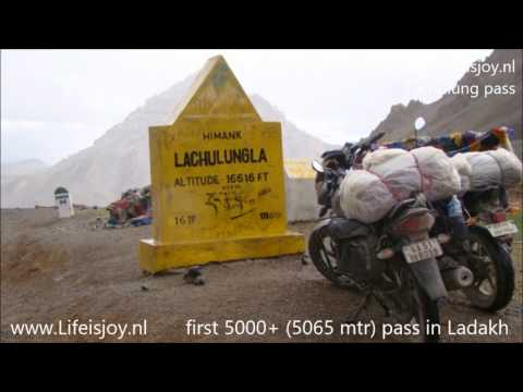 1 hour motorcycling through the Himalayas, visiting Ladakh a