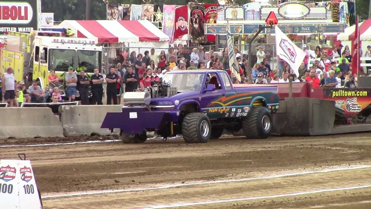 Truck Pull Super Modified Four Wheel Drive