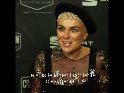 Serinda Swan répond aux questions de Salomé Lagresle au Comic Con Paris 2017