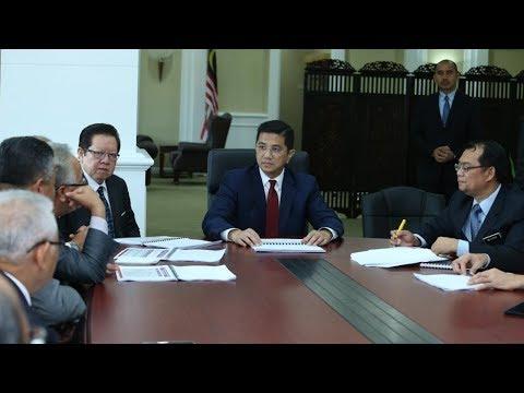 Azmin: BN mega projects led to 'RM1 trillion debt'