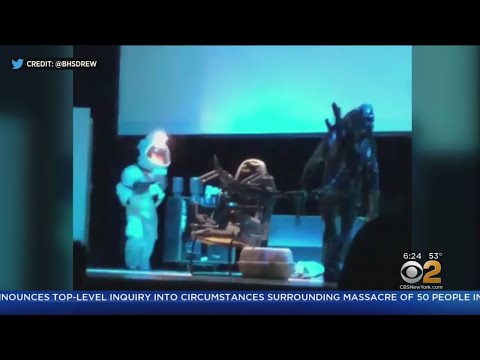 Oscar-Winning Production Designers Call High School 'Alien' Play 'Deeply Visionary'