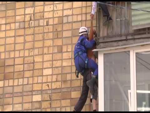 В Караганде при задержании квартирного вора полицейским пришлось вызывать спасателей
