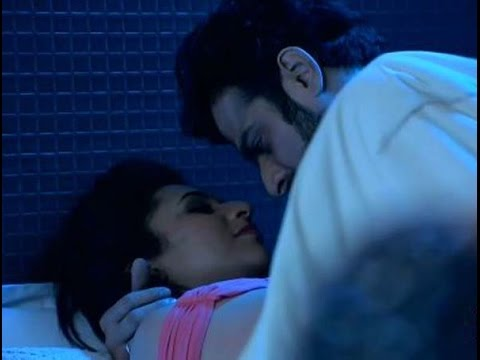 yeh hai mohabbatein ishitha and raman hot and sexy best scene bed room video