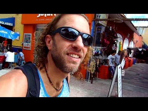 PLAYA DEL CARMEN, MEXICO: Cheap massages & Mexican food
