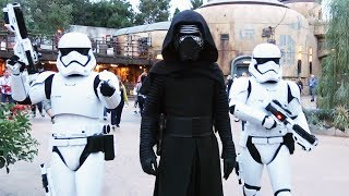 Kylo Ren Arrives to Batuu with First Order - Star Wars: Galaxy's Edge Show (w/Bonus Interaction)
