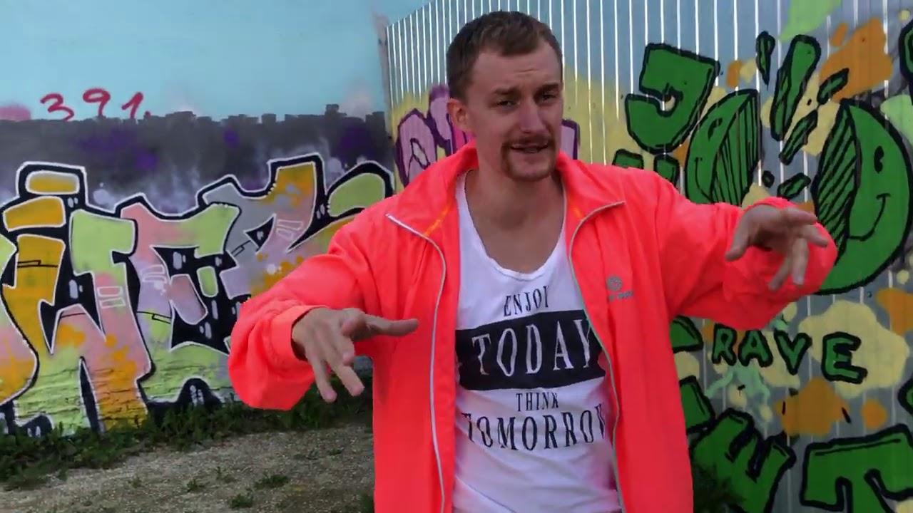 Вова: видео №4 - любимое танцевальное движение