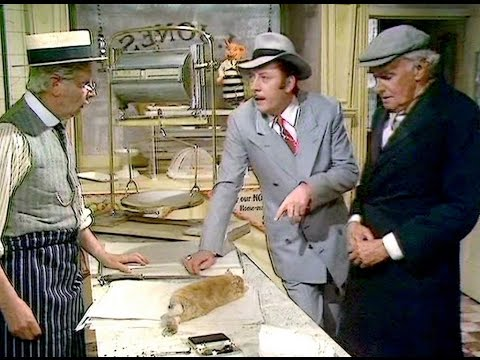 Dad's Army - Getting the Bird - ... it's Bugs Bunny... skin back!...