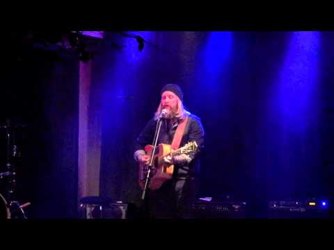 Brian Byrne (Lead singer of I MOTHER EARTH) live acoustic at Le Studio 910 in Laval