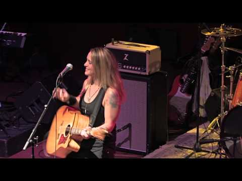 Sarah Smith - Three Little Birds (Bob Marley Cover) - LIVE