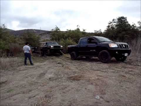 011 nissan titan pulling stuck ford and chevy youtube. Black Bedroom Furniture Sets. Home Design Ideas