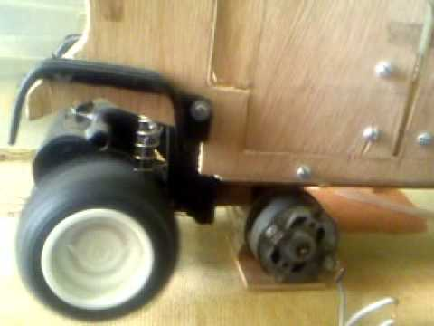 Carro de madera con motor youtube for Carros de madera para jardin