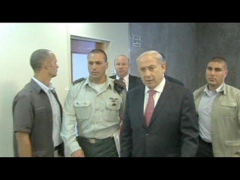 Нетаньяху удалили пупочную грыжу