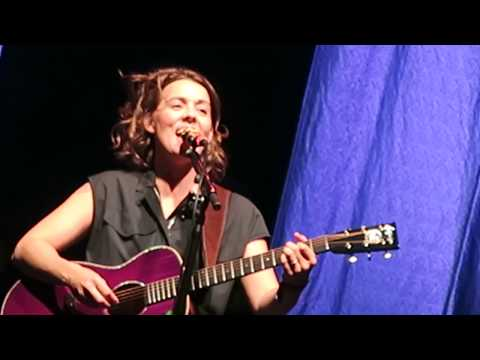 """Grammy Award Winner Brandi Carlile """"Hold Out Your Hand"""" New Song & Album Live @ Sea.Hear.Now 2018"""
