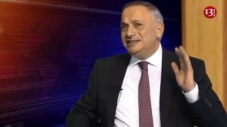 """""""Hakimiyyət həqiqətən də ölkədəki siyasi durumu dəyişir, yoxsa xalqı aldadır?""""-Əli Əliyev"""