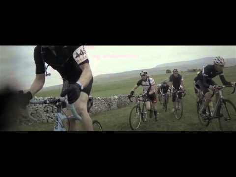 The Three Peaks Cyclocross : Race to the first of the three.