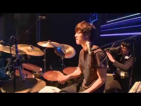 CNBLUE [Blue Night Concert] - I'm A Loner