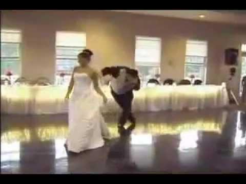Danse de mariage drole ... a voir absolument ! - YouTube
