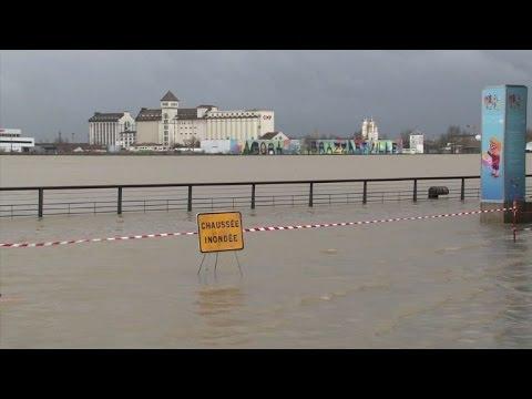 La Garonne déborde de son lit à Bordeaux