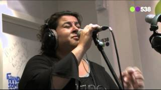 Barbara Straathof - Make You Feel My Love (live bij Evers Staat Op)