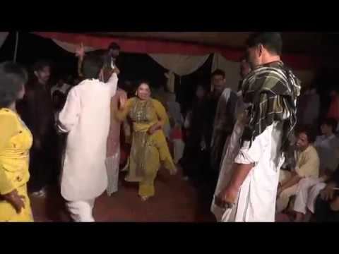 Real Nanga - Hot And Ver Sexy Pakistani Marrige Mujra 2017-New And Hot