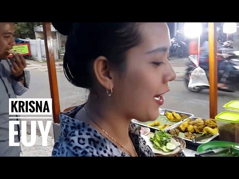 CANTIK BANGET Pedagang Ayam Goreng Sumedang | Very Beautiful Fried Chicken Trader