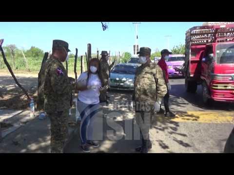 Miembros del Cesfront intervienen mercado de Dajabón para garantizar seguridad
